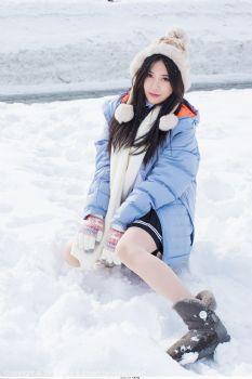 冬日女神许诺Sabrina 优雅气质迷人大长腿图片