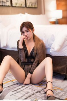 女神模特卓娅祺 私房魅惑臀部际线