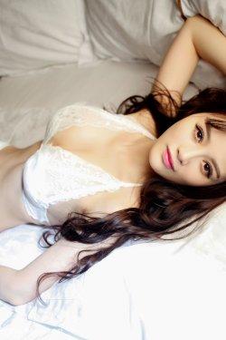 高溜MilkCat《蕾丝内衣+浴室比基尼系列》 [秀人网XiuRen] No.294