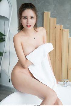 情趣女神SOLO-尹菲 一袭浴巾真空上阵图片