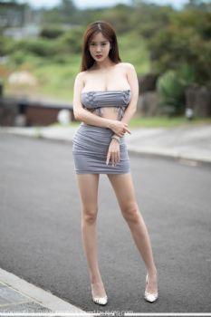 欧派女神易阳Silvia 丝绸质感肚兜诱惑