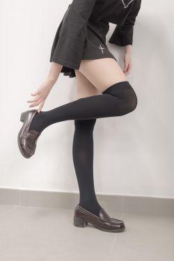 [风之领域] NO.011 教室黑丝修长美腿